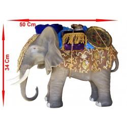 Éléphant + charge
